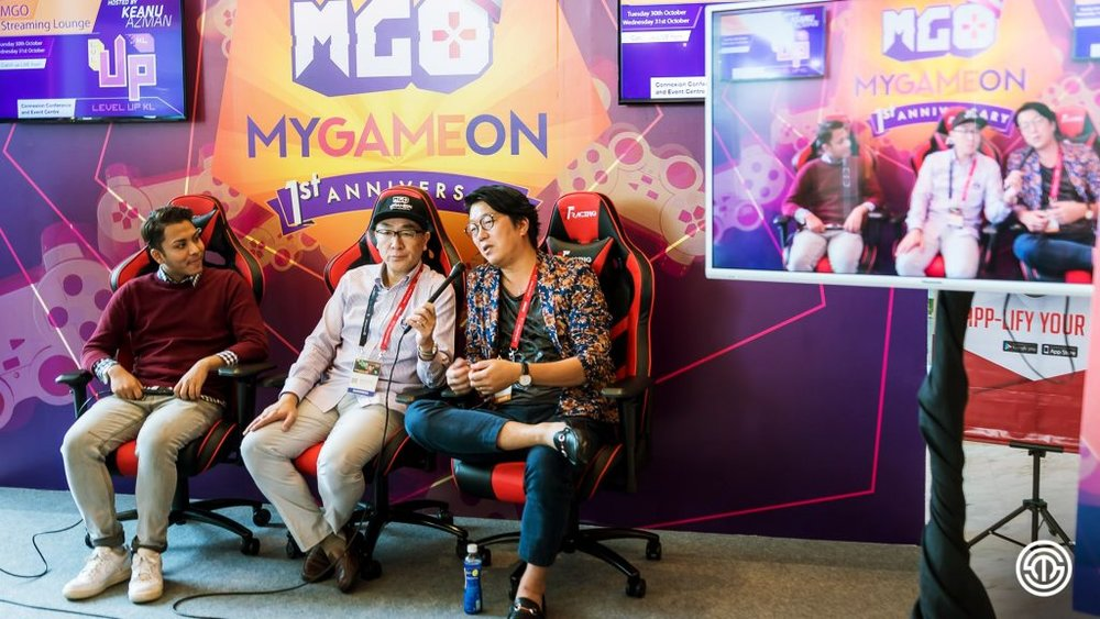 Mr Yoshifuru Okamoto (first from right) at MyGameOn live streaming session